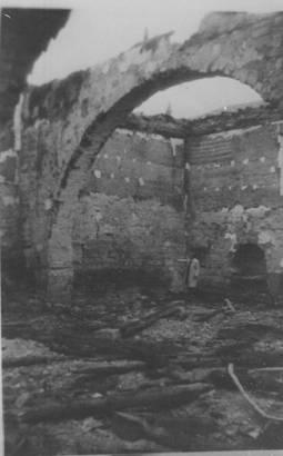 Interior de la iglesia de Santa Catalina después del incendio hace 60 años